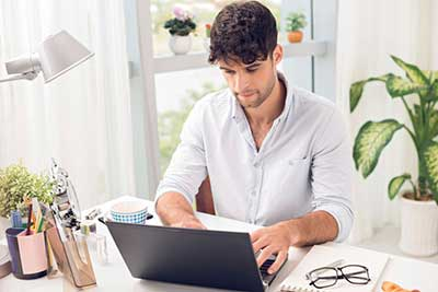 The Pros and Cons about running an online business from home